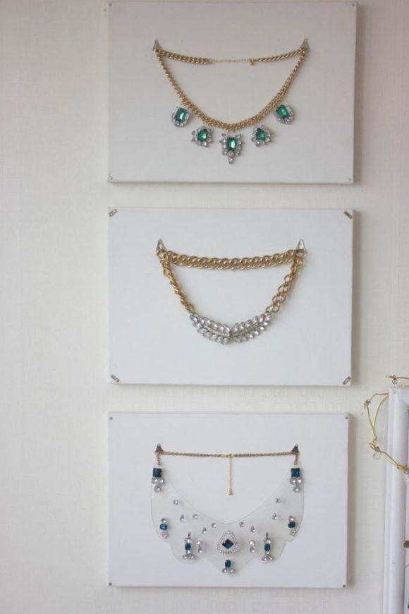 necklacedisplay